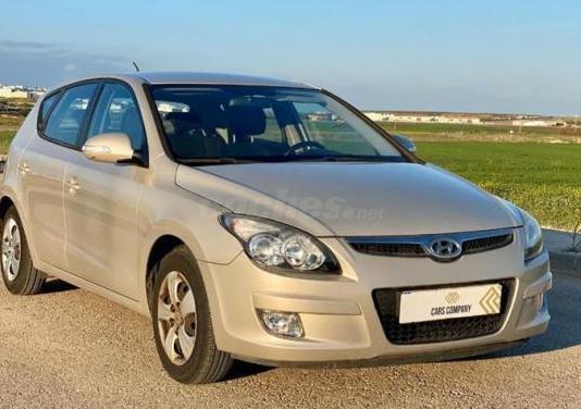 Hyundai i30 1.4 cvvt classic gl 5p.