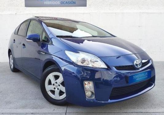 Toyota prius 1.8 hsd advance 5p.