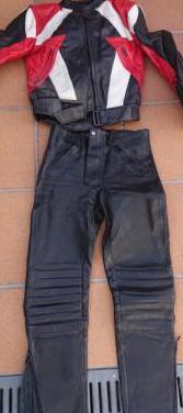 Chaqueta y pantalón para moto de chica