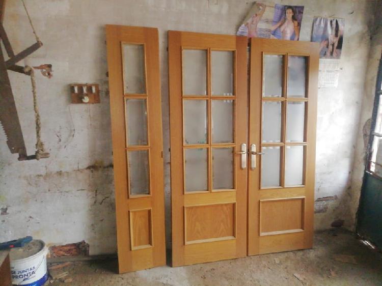 3 puertas con cristal de buen material