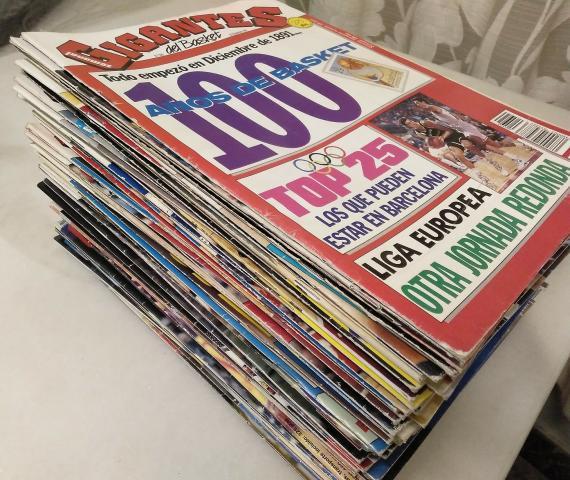 Lote de 65 revistas gigantes del basket (1991-1995)