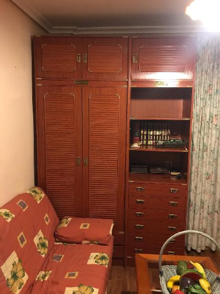 Sofá cama 1,05 x 1,80 , de 3 pl.y armario en venta