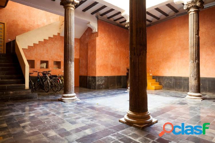 Vivir en una palacio en pleno casco histórico
