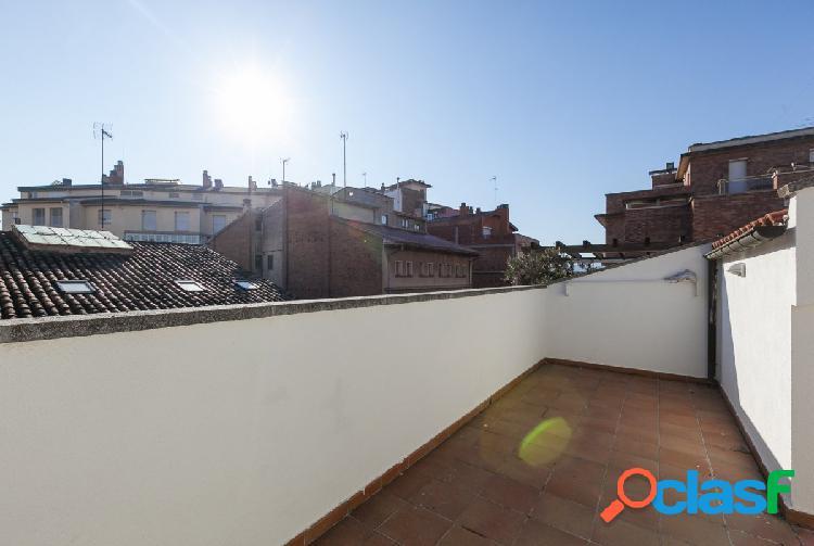 Ático duplex con terraza en el centro de vic