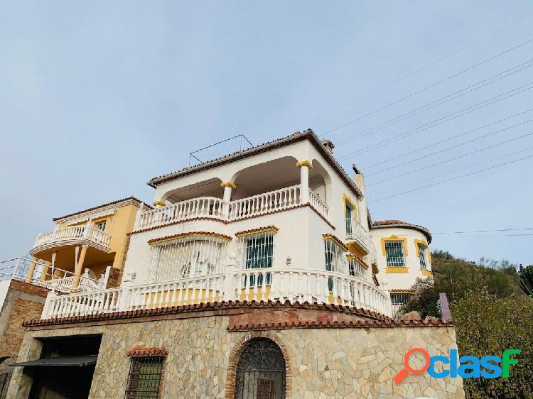 Gran casa con vistas panorámica al valle del guadalhorce