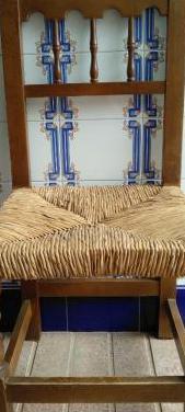 Sillas madera maciza asiento anea, color nogal