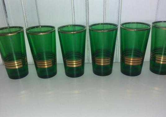 Vasos cristal en verde y dorado