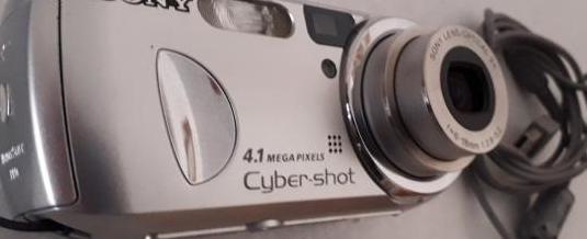 Camara de fotos digital sony