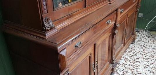 Mueble de salón de nogal