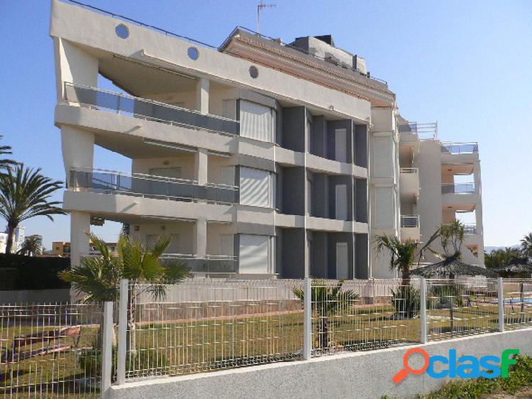 Moderno apartamento situado a 2