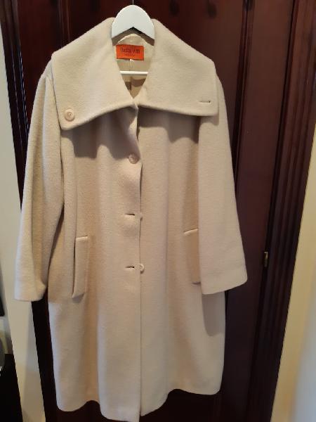 Abrigo largo de mujer color hueso