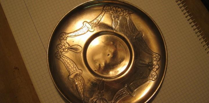 Antiguo plato modernista bañado en plata 17 cmts