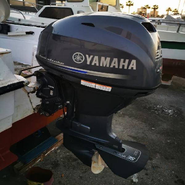 Barco con motor yamaha 30cv 4t