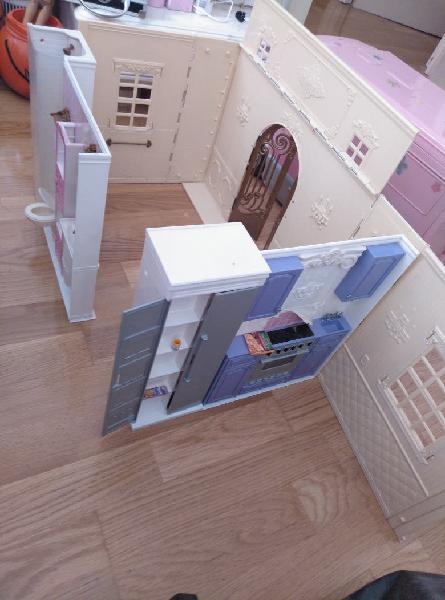 Casa de muñecas barbie