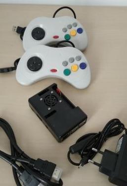 Consola retro raspberry pi (mandos tipo s. saturn)