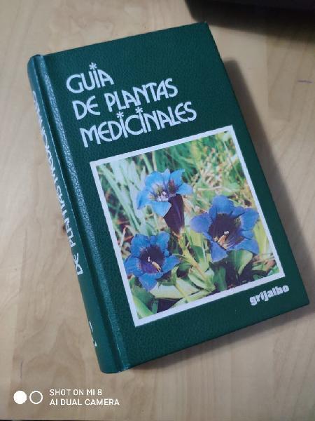 """Libro """"guía de plantas medicinales""""."""