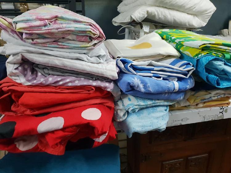 Lote ropa de cama y otros