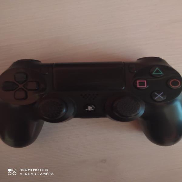 Se vende mando ps4 negro original