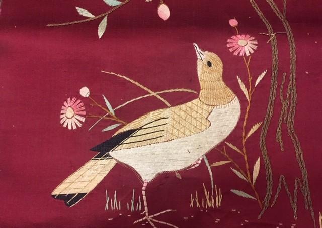 Antiguo bordado chino, en seda muy antiguo. aves, pajaros