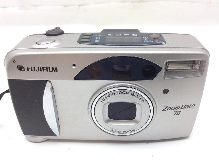Camara compacta 35mm fujifilm zoom date 740