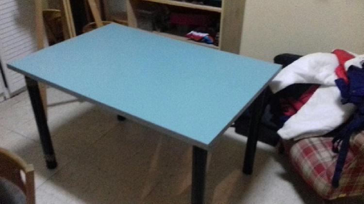 mesa color verde