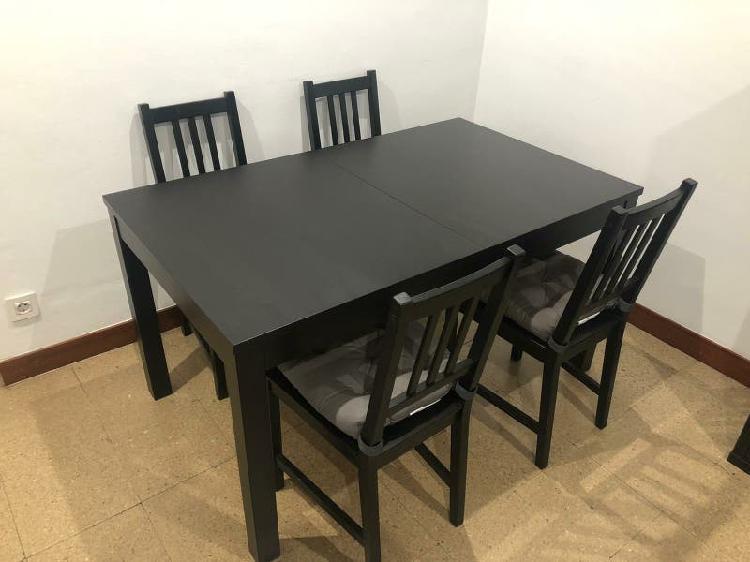 Mesa comedor extensible negro bjursta con sillas