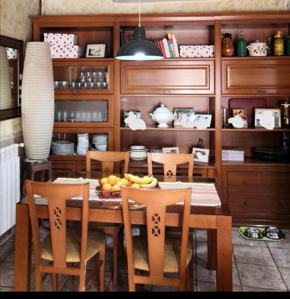 Muebles mesa y sillas