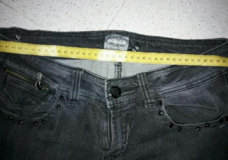 Pantalón negro bershka