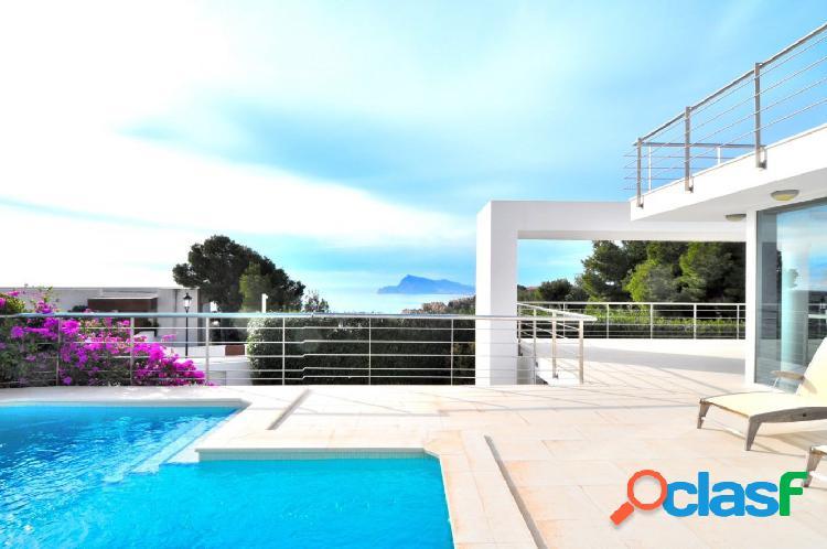 Moderna villa con preciosas vistas en altea hills