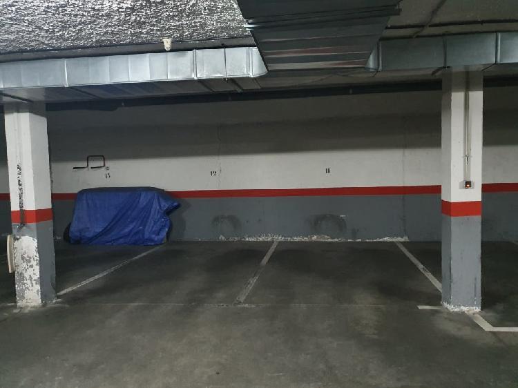 Alquiler plaza de garaje zona 4 caños