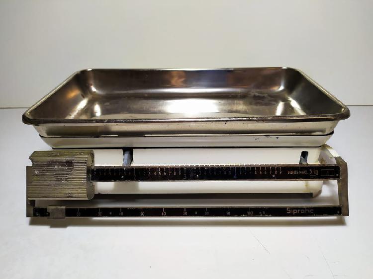 Balanza de cocina vintage. 5 kg. circa 1950