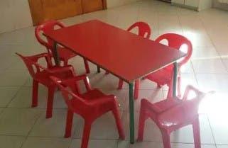 Conjuntos de mesas y sillas para ludoteca / guarde