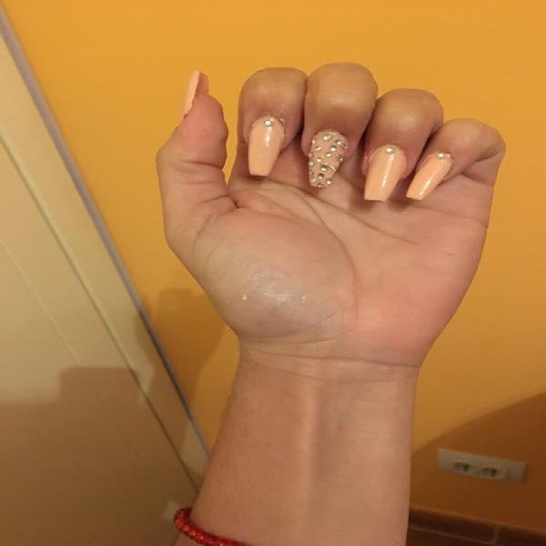 En Arucas hago uñas de porcelana