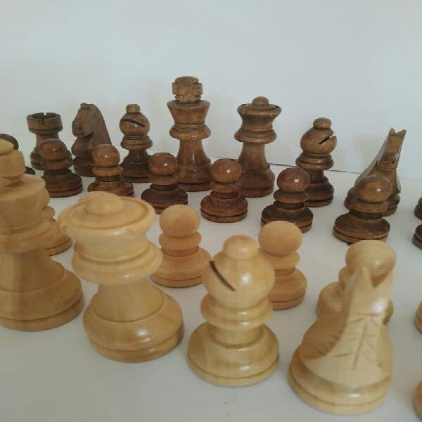 Juego ajedrez fichas de madera