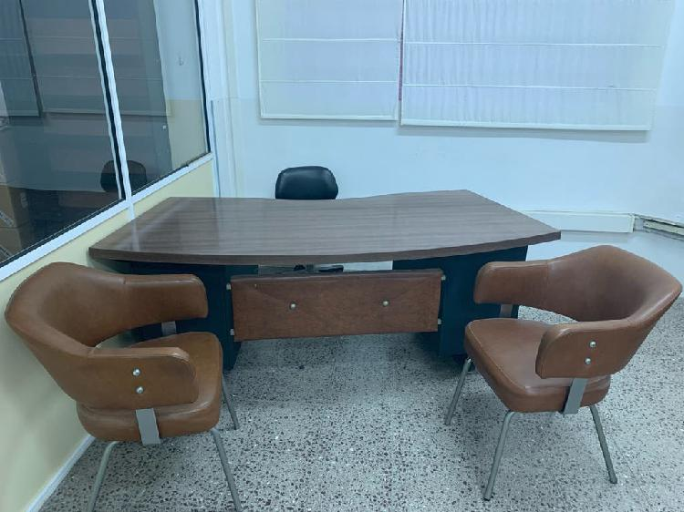 Mesa despacho con 2 butacas