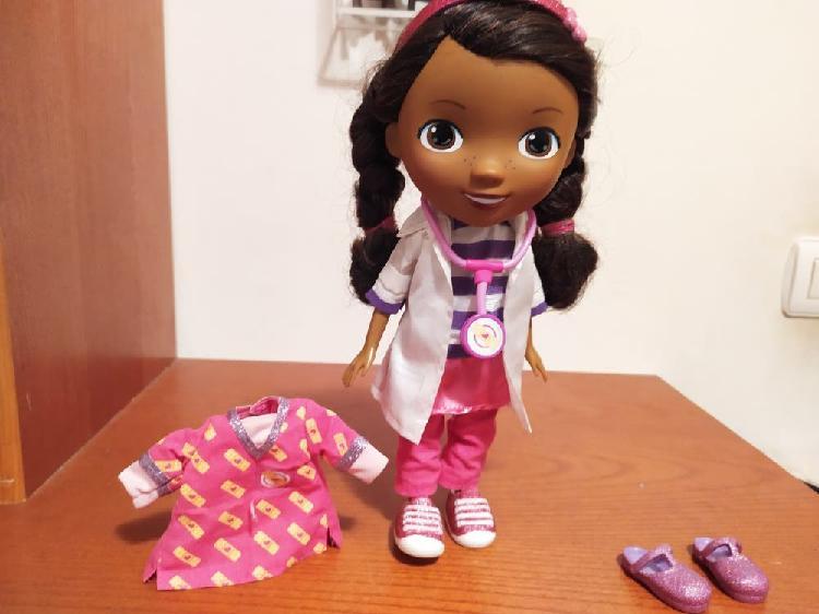 Muñeca doctora juguetes de disney