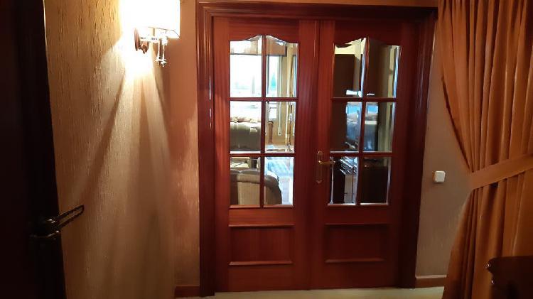 Puerta doble salón con vidriera cristal viselado