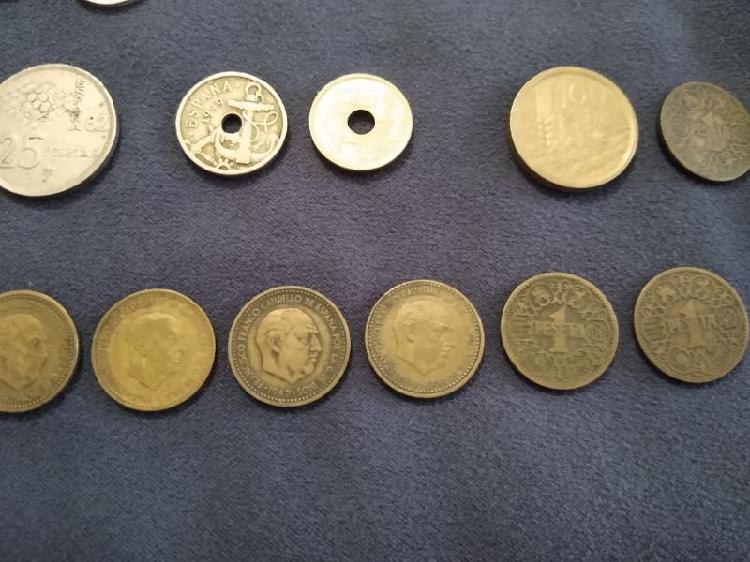 Pesetas de varios años y monedas varias