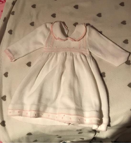 Vestido para bebé ( alrededor de 3 meses)