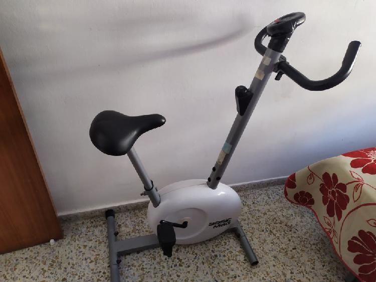 Bisicleta para hacer ejercicio