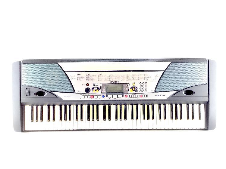 11 % piano yamaha psr-gx76