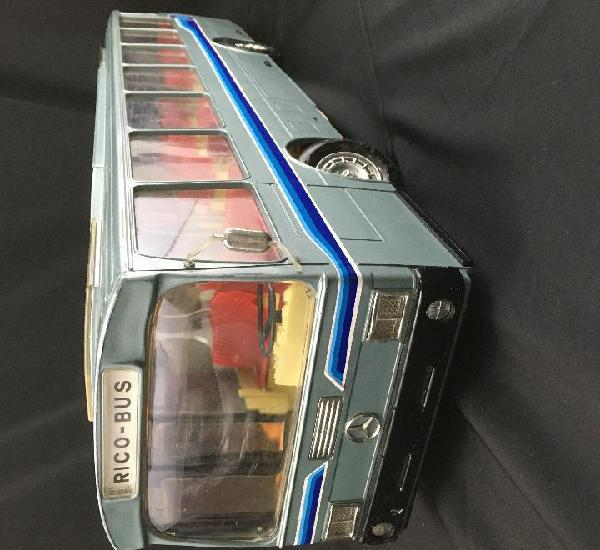 Autobus rico-bus-mercedes-cabledirigido-años 80