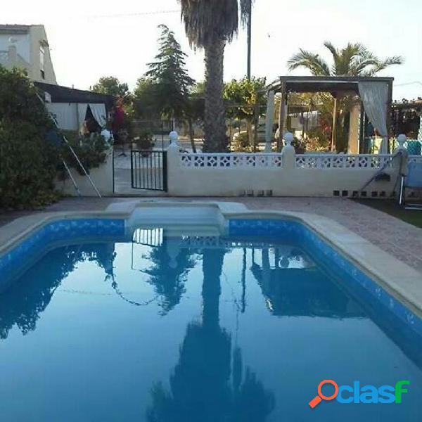 Magnifico chalet con 2 viviendas,,una de 390m y la otra de 70 m,,,piscina y 4.800 m2