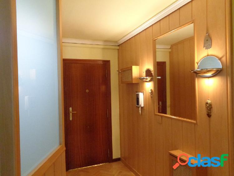 Luminoso y Amplio Apartamento en Pleno Centro de la Ciudad, junto Fuente Dorada de 1 habitación 1