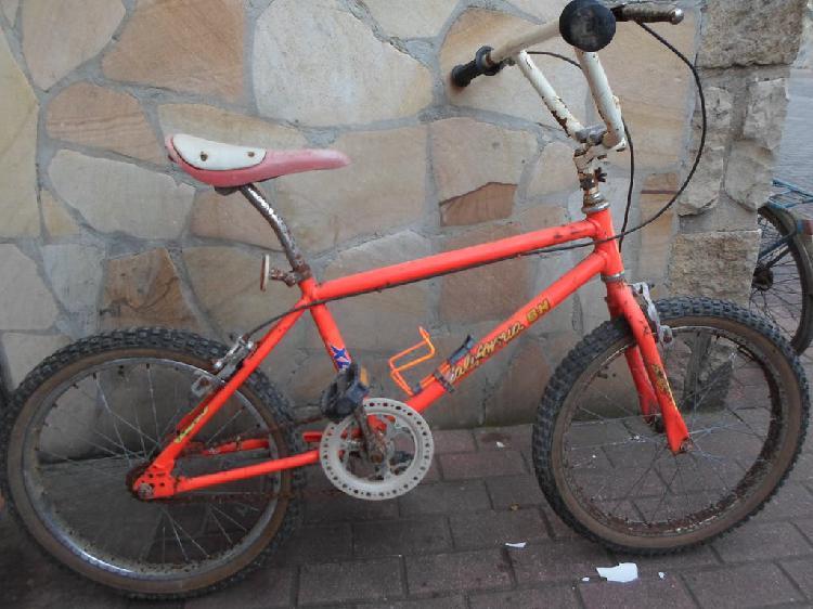 Bicicleta bh california retro restaurar óxido