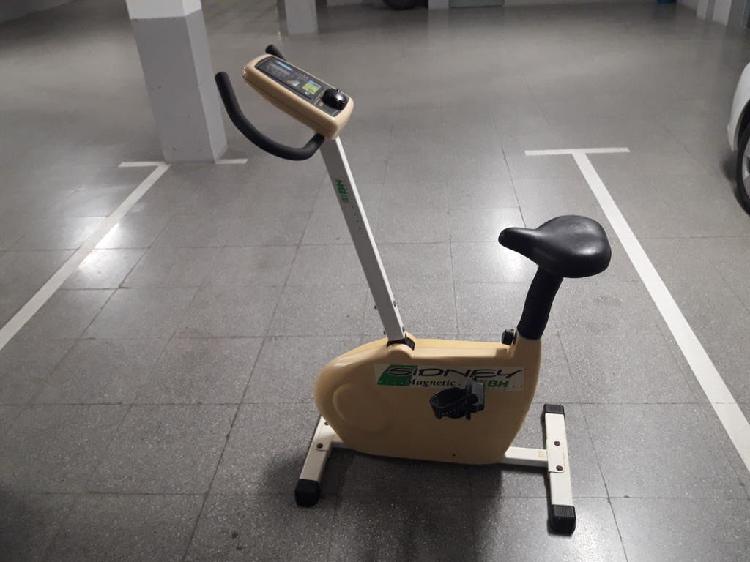 Bicicleta magnetica bh