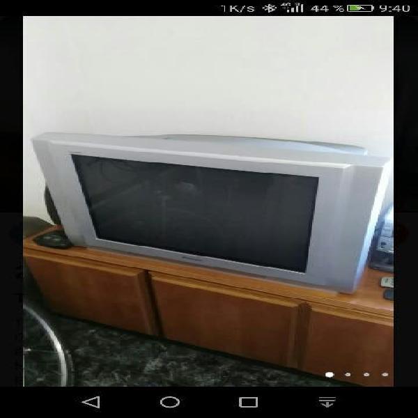 Tv panasonic 28'