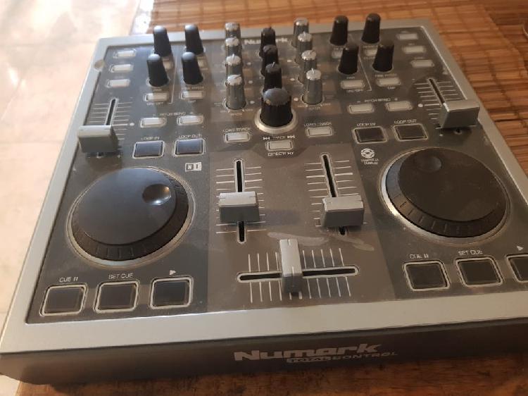 consola, controlador mixer, Numark total control.