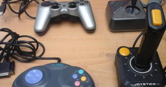 4 joystick y mando pc