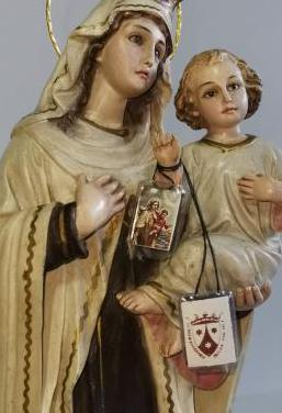 Antigua preciosa escultura de la virgen.